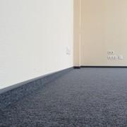 Укладка ковровой плитки в офисе
